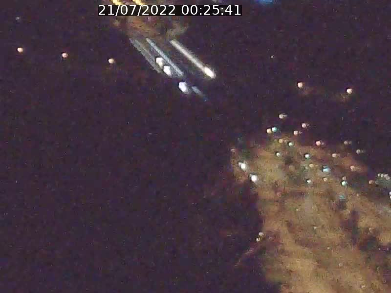 Webcam sur l'avenue John Fitzgerald Kennedy (N51) avec vue sur le Pont rouge (Pont Grande Duchesse Charlotte), l'arrêt Pfaffenthal et l'entrée du quartier Kirchberg