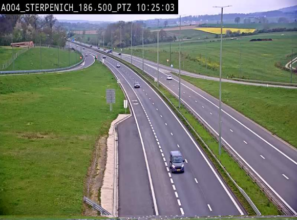 Webcam E411 à Sterpenich en Belgique près de la frontière du Luxembourg. Vue orientée vers Bruxelles