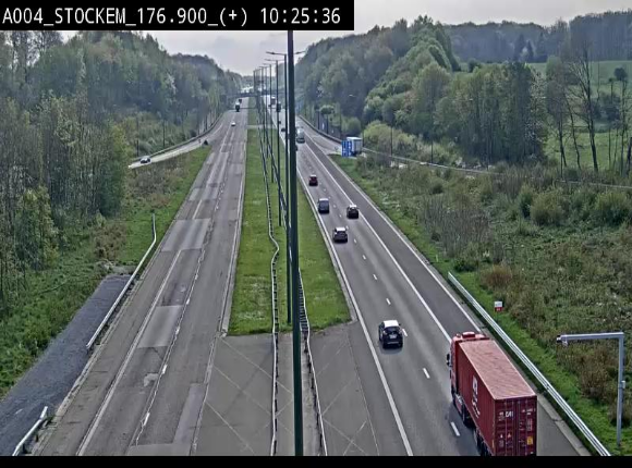 Webcam au-dessus de l'E411 sur la N83 à hauteur de la sortie Stockem. Vue orientée vers Arlon