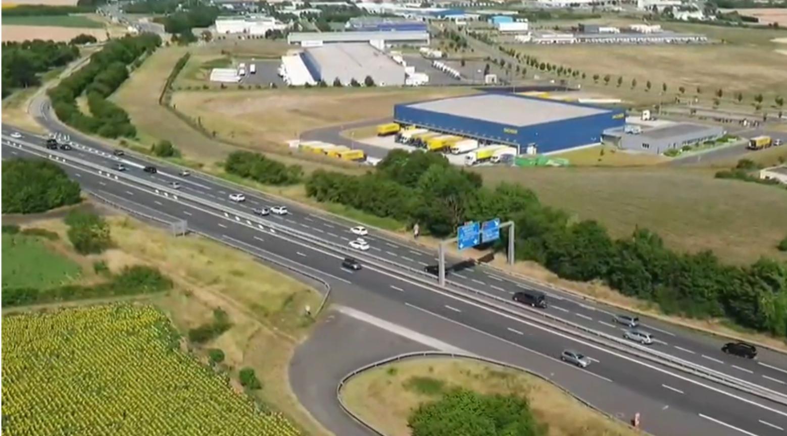Drone en direct de la jonction entre l'A10 et l'A83 au niveau de Niort
